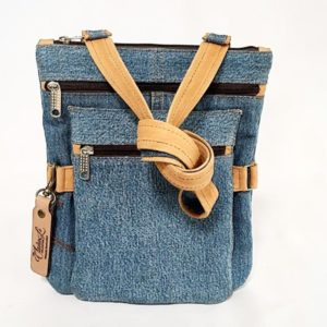 #Lesley – Three Pocket Sling Bag